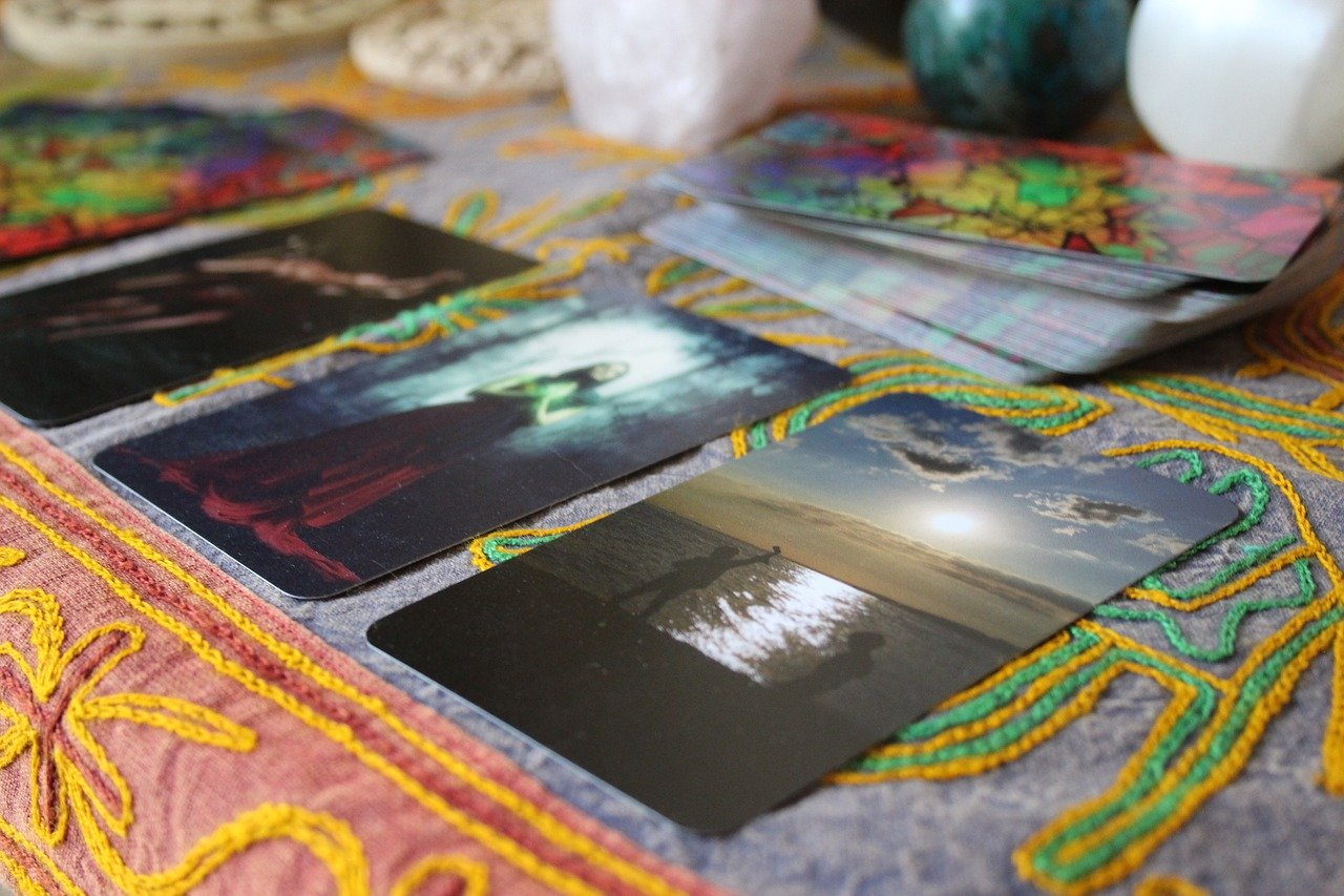 Tarot & Oracle Cards – Module Three: Doing Readings with Cards