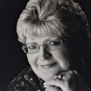 Profile photo of Lois Warnock